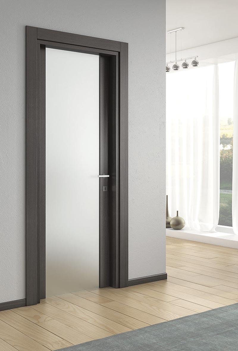 Porta in legno e vetro modello Silla – Bertone Contract Srls